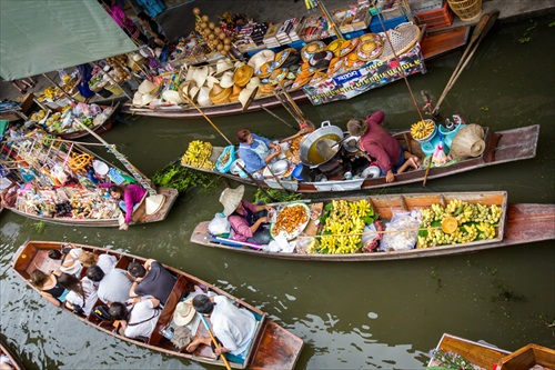 Floating market v Bangkoku