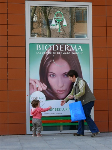 BIODERMA CONECTING PEOPLE