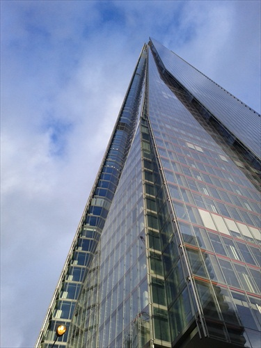 The Shard v plnej krase