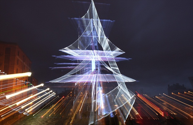 Ship - Christmas Tree
